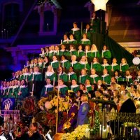 Candlelight Processional Disneyland vs. EPCOT