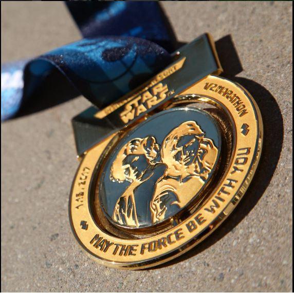 2017-star-wars-half-marathon-medal